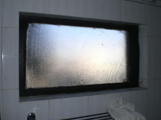 Karohi Haveli: Detalle ventana baño
