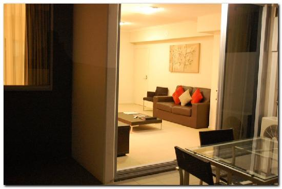 Toowoomba Central Plaza Apartment Hotel: My balcony spanned the bedroom & living room