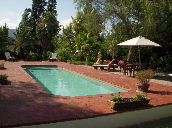 Portwine Guesthouse: The Pool