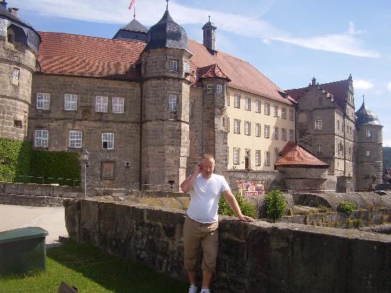 Stadthotel Pfarrhof: Kronach castle i