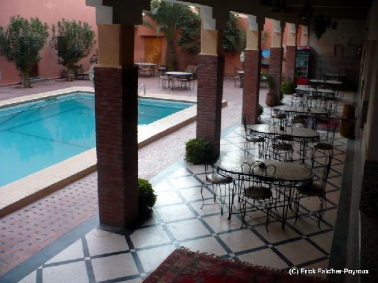 Zaghro Hotel: Terrasse piscine de l'hôtel Zaghro