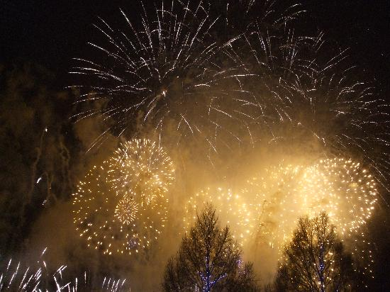 AJEM Self Catering : Fireworks on New Years Eve (Hogmanay)