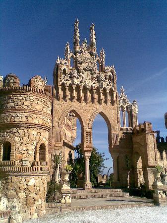 Castillo de Colomares: Tor