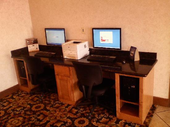 Best Western Club House Inn & Suites: Computers