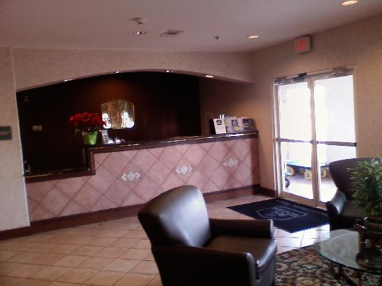 Best Western Club House Inn & Suites: Front desk