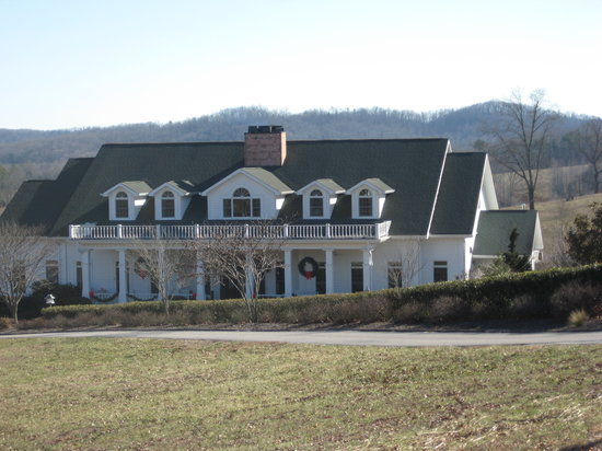 Whitestone Country Inn: exterior view