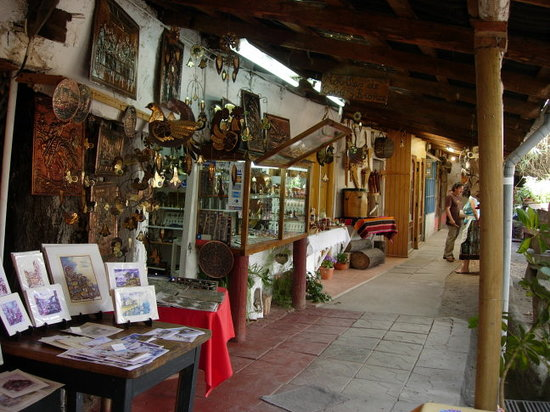 ‪Los Dominicos Handicraft Village‬