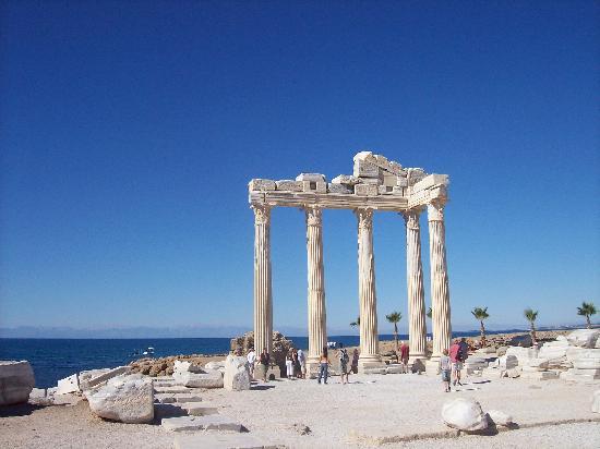 Euphoria Palm Beach Resort: Temple of Apollo, Side
