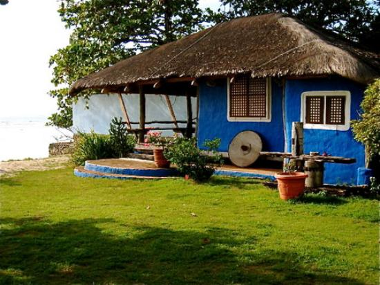 Calatagan, Filippijnen: Banak House Blue Cottage