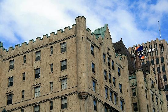Rue Sherbrooke: Building in Chateau Style
