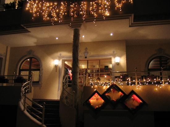 Hotel Hollroah: Der Eingang zum Hotelrestaurant