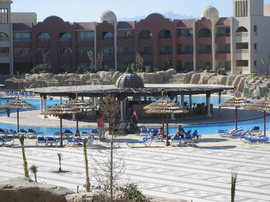 Tirana Aqua Park Resort: Swimming pool