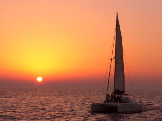 Santorini Sailing: Sailing with Blue Lagoon in Santorini