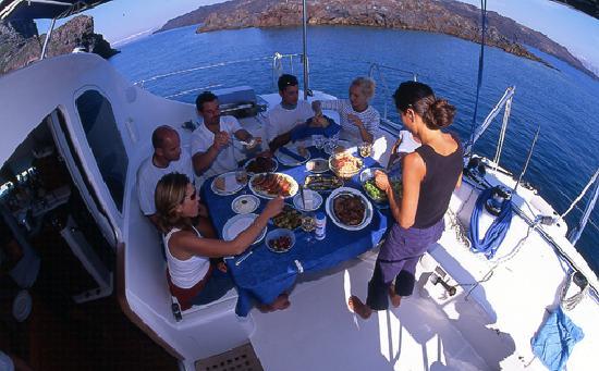 Santorini Sailing: Lunch on Blue Lagoon Santorini