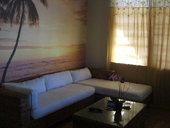 Coqui del Mar Guest House: other side of living room