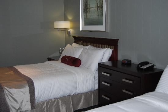 St. Regis Hotel : Comfortable beds