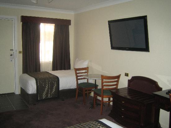 Comfort Inn & Suites Georgian: queen room