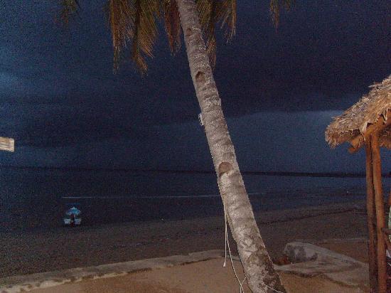 Doany Beach: de nuit sur la plage