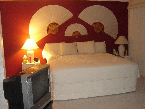 1st Class Vacation Rental Kona Hawaii: Bedroom in the cottage