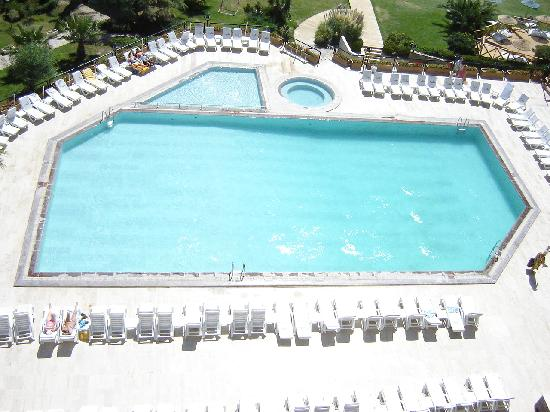 Suzer Sun Dreams Hotel & Spa: Pool by day