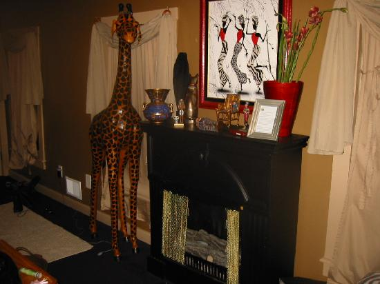 Antiques and Lace Inn: African Oasis