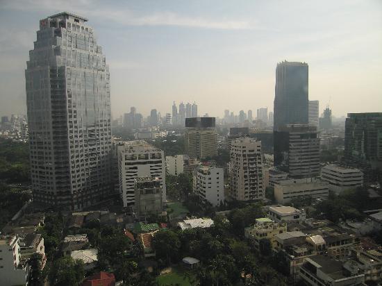 Bandara Suites Silom, Bangkok : 26th floor view