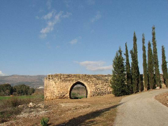 Kiryat Shmona, Israel: An old aquaduct near the hotel