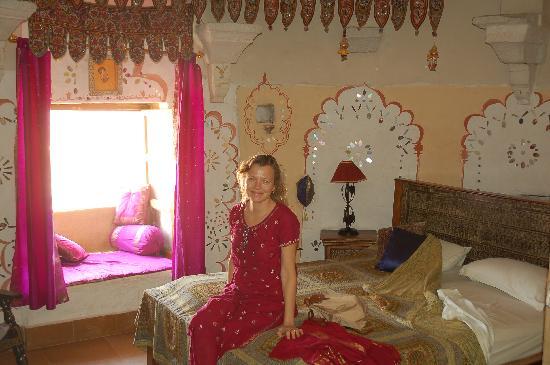 Hotel Garh Jaisal Haveli: Great Hotel room...