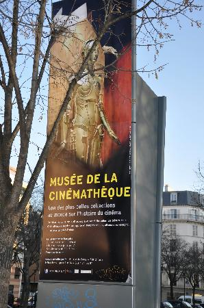 La Cinematheque Francaise: Street sign for Museum