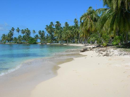 Yandup Island Lodge: Playa Diadup