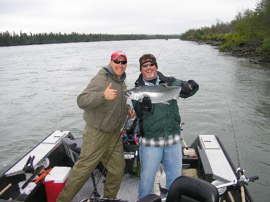 Jimmie Jack's Alaska Lodge: Silver fishing on the Kenai River