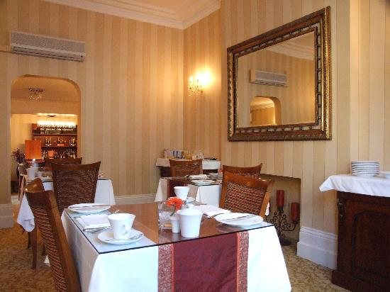 The Clarence Hotel: dining room
