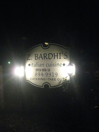 Z Bardhi's Italian Cuisine: The Sign off the road