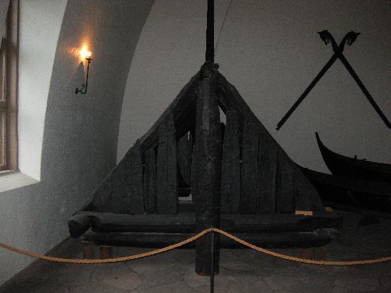พิพิธภัณฑ์เรือไวกิ้ง: Tune ship and elements (from 900 AD)