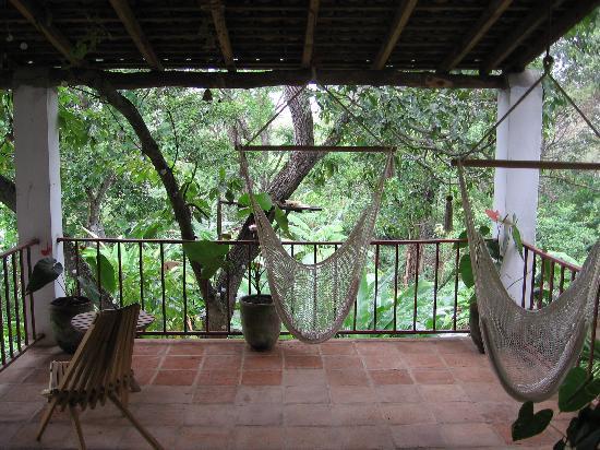 La Mariposa Spanish School and Eco Hotel: upstairs patio