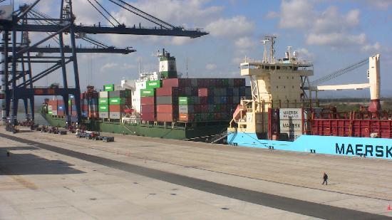 Lazaro Cardenas, Mexico: Terminal de Contenedores en el Puerto de la Ciudad