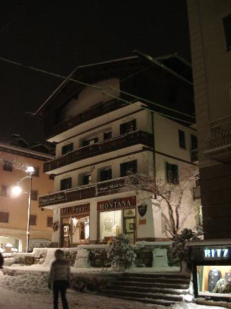 Hotel Montana (night overlook)