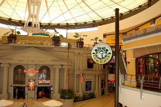 Cambalache : inside mall