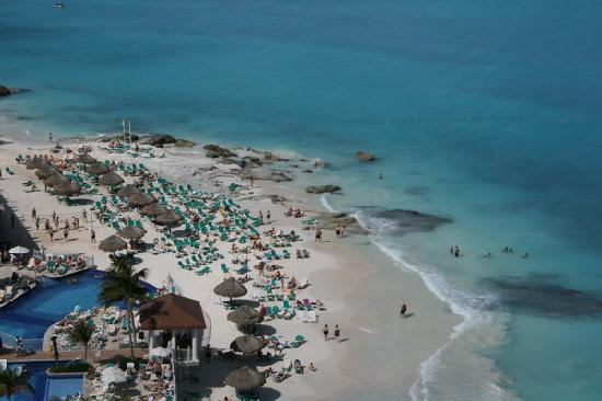 Hotel Riu Cancun: View from my hotel room.