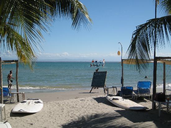 Hotel El Yaque Club: Beach area nearest apartments