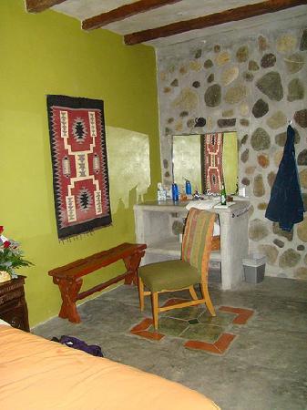 Casa Cangrejal B&B Hotel: Room with stone and wonderful design