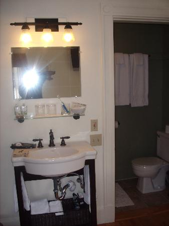 Oxford House Inn: Room 2 - Wash Area and Small Bathroom with Shower & Toilet