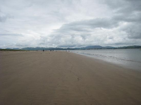 Rathmullan House: Rathmullan beach