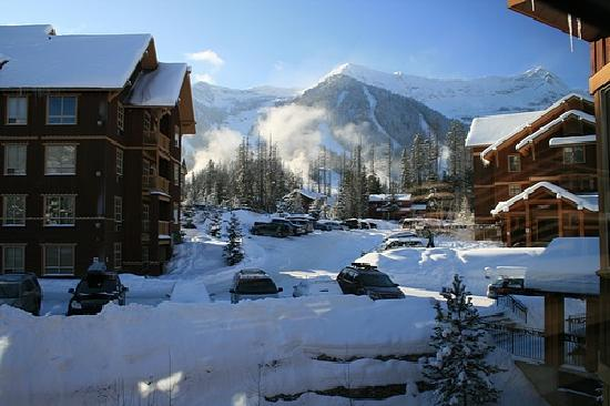 Timberline Lodges by Fernie Lodging Company: view from suite onto ski hill
