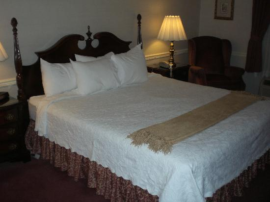 Best Western Heritage Inn : Bed in Room