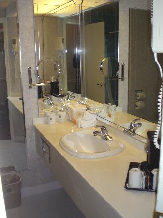 Best Western Heritage Inn : Bathroom