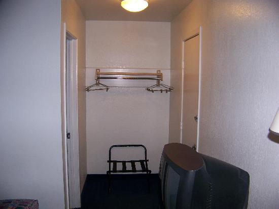 Motel 6 San Antonio East : Shot from the door's entrance
