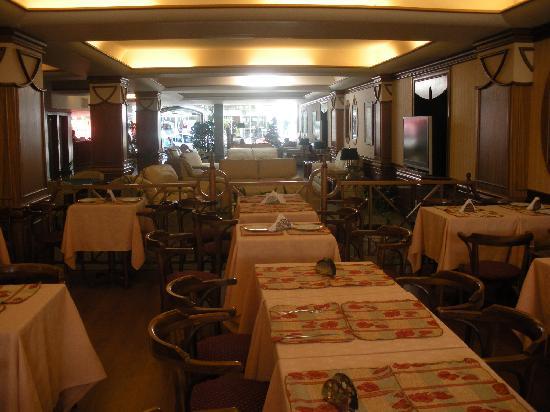 Hotel Remanso: vista desde el bar hacia el lobby