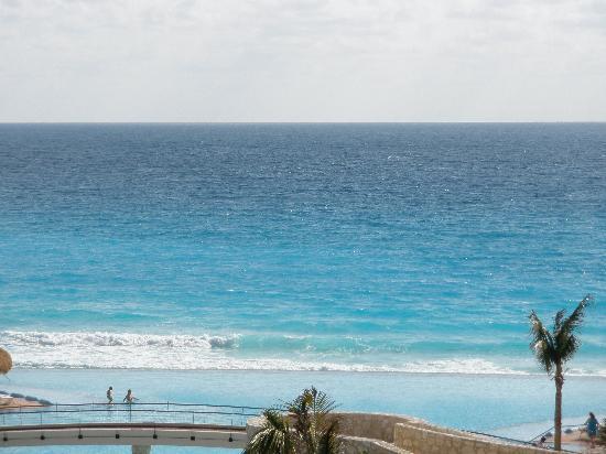 The Westin Lagunamar Ocean Resort Villas & Spa, Cancun : infinity pool