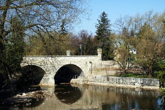 Stratford, Canadá: Bridge Over the Avon